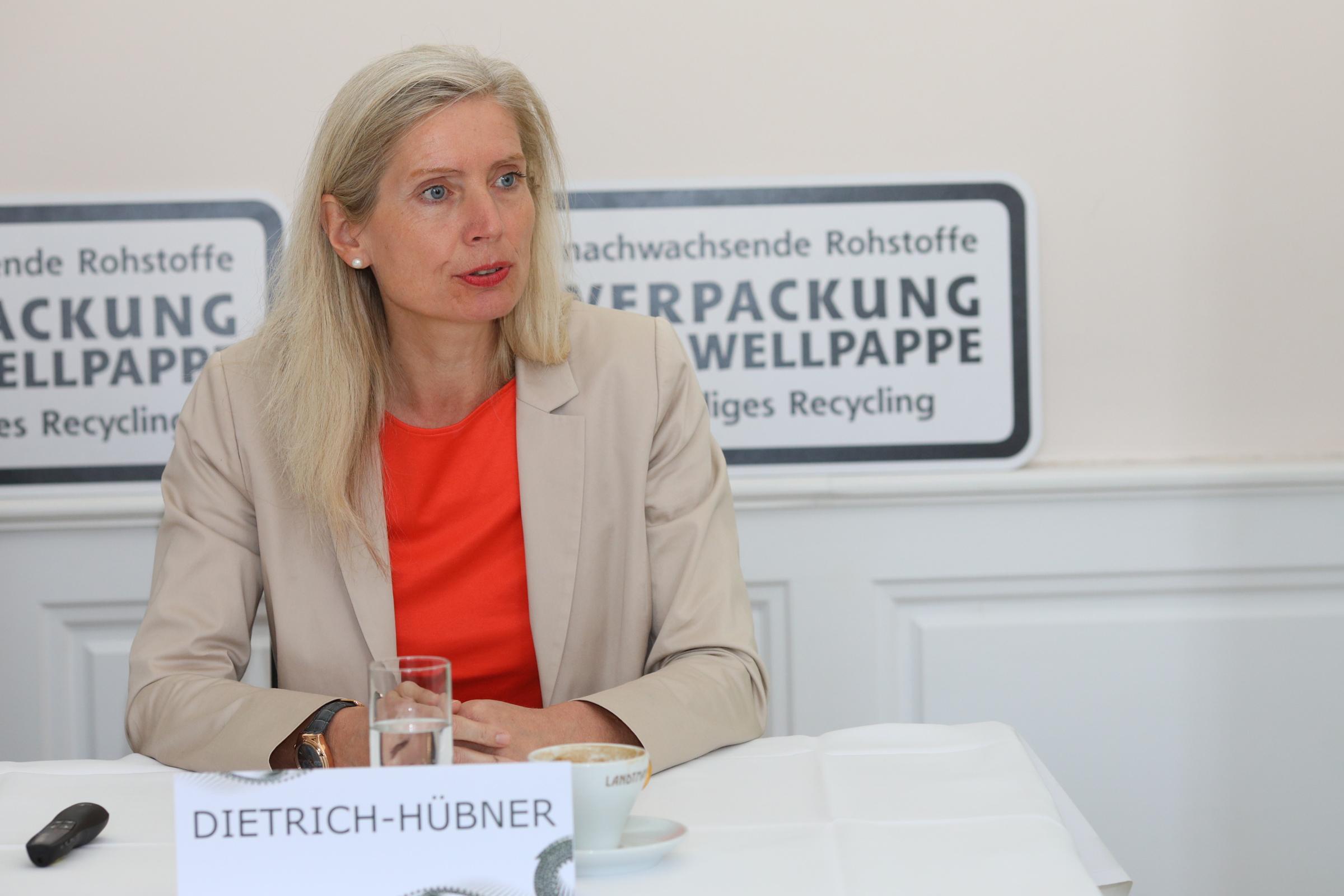 Tanja Dietrich-Huebner, FWA Pressekonferenz © L. Schedl
