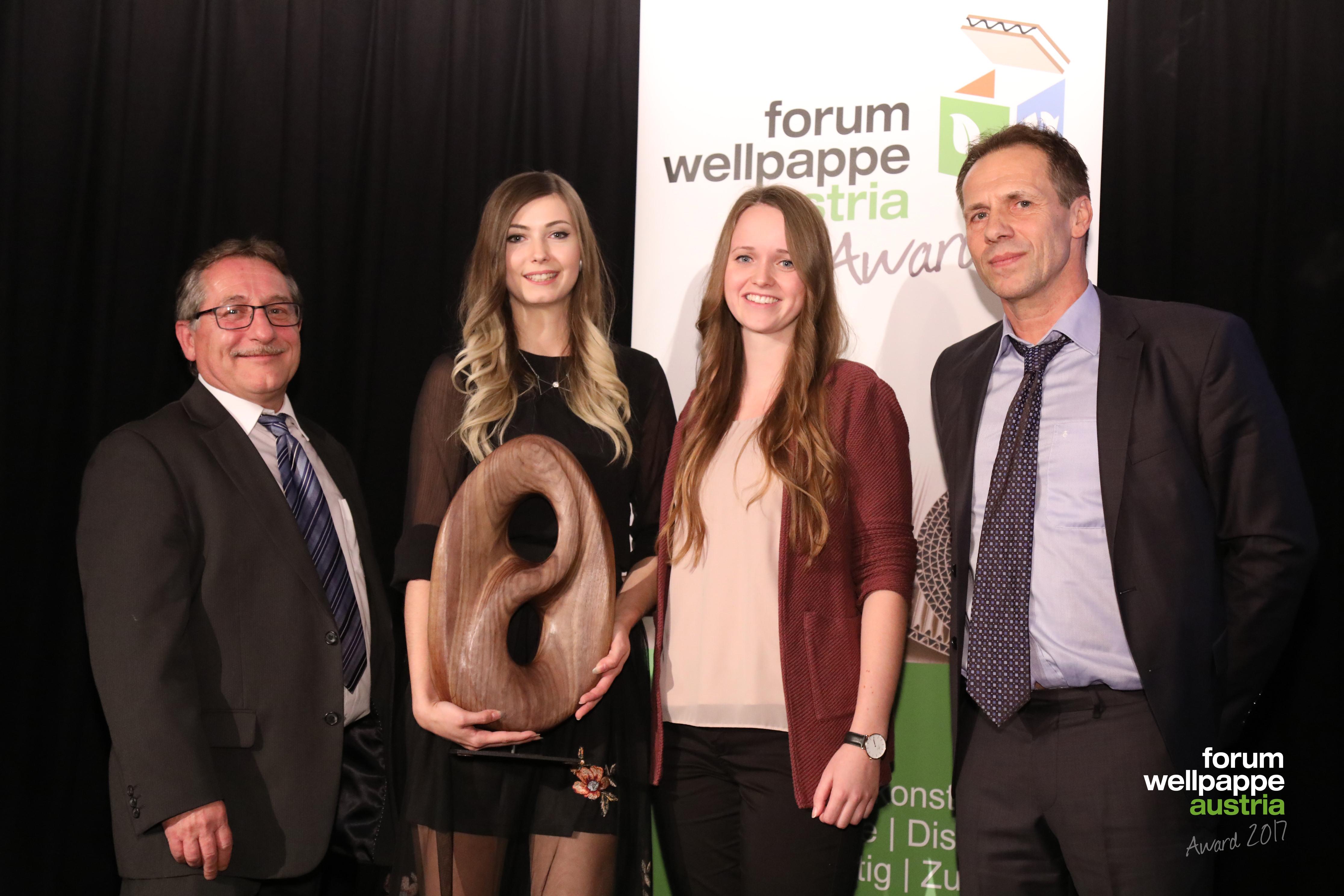 Wellpappe Award 2017 Gewinner Nachwuchs H. Koppenberger Smurfit Kappa Paper M. Hollaus S. Bruckmuller C. Vielhaber Berufsschule © L. Schedl