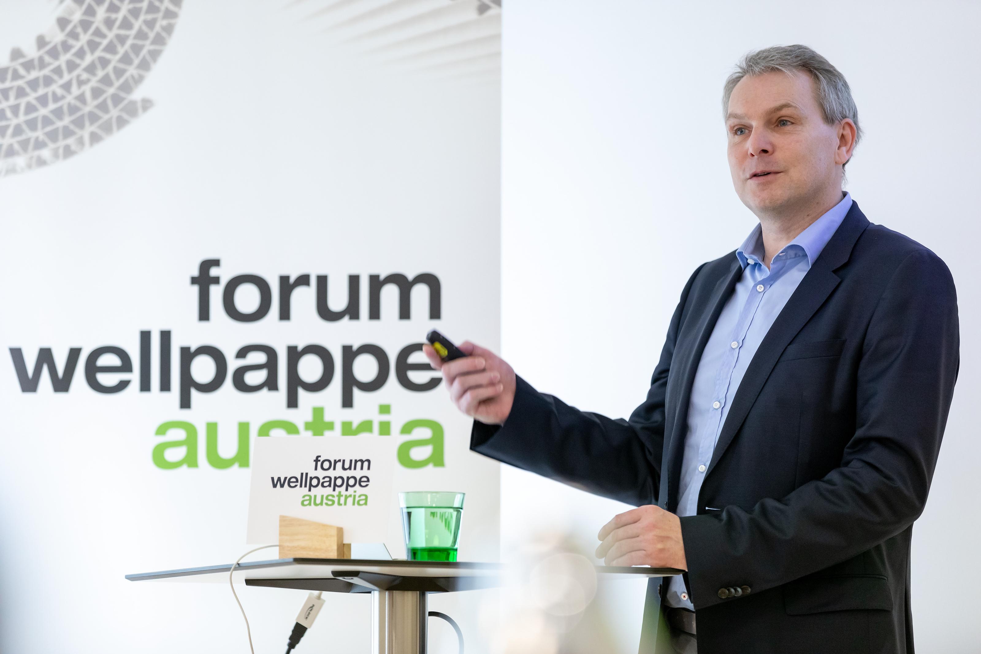 Roland Fehringer stellt Ökobilanz vor